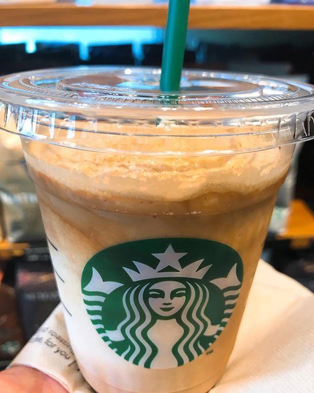 PAL整体院の近くにスタバがあるので、休憩する時によく使います。最近の新商品、エスプレッソアフォガードフラペチーノ。苦甘で美味すぎます。#pal整体院 #pal接骨院 #高田馬場 #スターバックス #スタバ #starbucks #エスプレッソアフォガートフラペチーノ #espresso #affogato #frappuccino